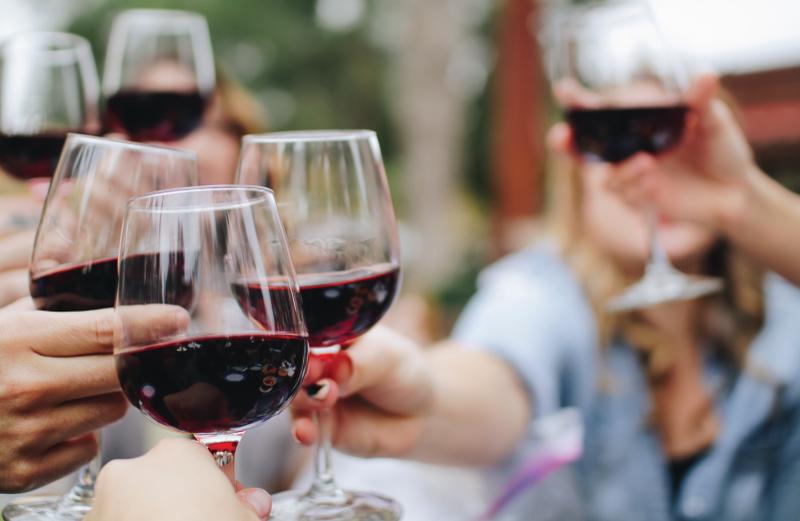 Trabalho, diversão e vinho – hoje é o dia!